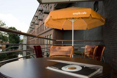 display max werbeschirm rund 4 0m schattenspender und werbemittel in einem. Black Bedroom Furniture Sets. Home Design Ideas